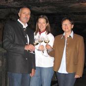 Familie Seibert im Weinkeller